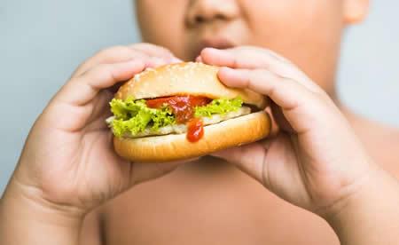 world-fat &quot;width =&quot; 450 &quot;height =&quot; 276 &quot;/&gt; A obesidade é uma epidemia global (agora eu lhes falo sobre um último estudo científico) ... </strong> </div> <p> &#8230; mas primeiro eu quero que você saiba que eu quero ajudar você e sua família a não sofrerem as consequências terríveis e dolorosas desta epidemia </p> <p> Porque depende apenas de você que você e seus entes queridos não sofram o que todo mundo vê como inevitável: </p> <p> que mais e mais pessoas na América Latina sofrem de obesidade. </p> <p> <strong> Em um momento eu vou te dizer o que você pode fazer sobre isso para você e sua família, a partir de hoje, mas primeiro eu te digo porque o mundo se torna &quot;gordo&quot; &#8230; </strong> </p> <p> <strong> De acordo com um estudo que apareceu nos dias de hoje, existem atualmente mais pessoas em gordura do mundo do que aqueles que têm problemas com o baixo peso </strong> </p> <p> Surpreendente porque a maioria de nós sabe que ser gordo (ou obesidade) não é apenas um problema doloroso para a saúde emocional (e estética), mas também muito grave para a saúde física. </p> </p> <p> Mas que nos sentimos mal por não nos ver como gostaríamos, e saber o quão ruim isso poderia acontecer para nós (diabetes, dores no corpo, problemas cardíacos, etc) não faz a maioria das pessoas se limitam a comer mais nem mude seus hábitos para hábitos mais saudáveis. </p> </p> <p> O estudo <span style=